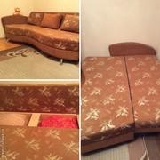 Тахта-кровать с подушками